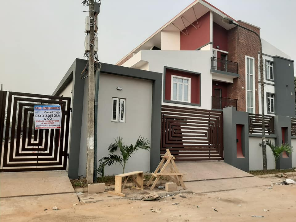 4 BEDROOM TERRACE APARTMENT FOR RENT                         AT G.R.A IKEJA