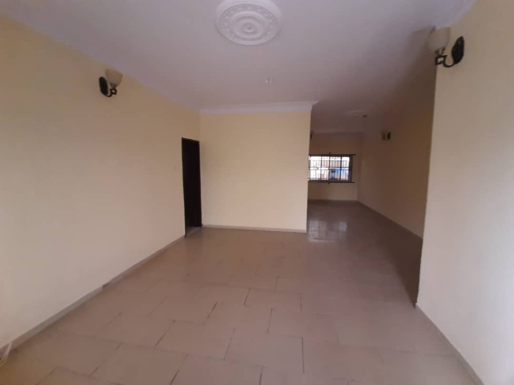 CLEAN 3 BEDROOM FLAT GROUND FLOOR WITH BQ FOR RENT AT LEKKI PHASE 1